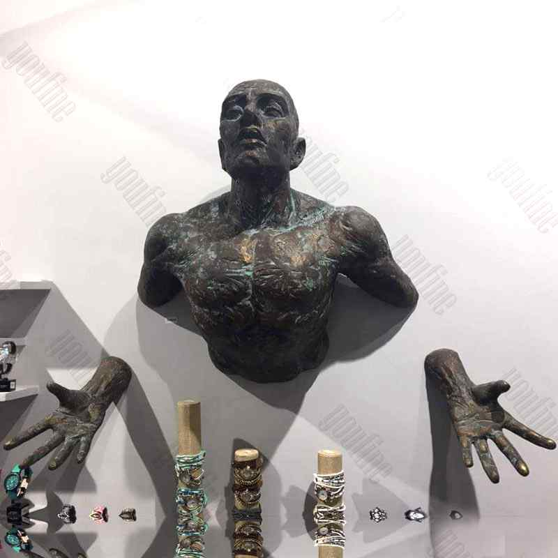Feedback of Famous Artwork Bronze Matteo Pugliese Statue